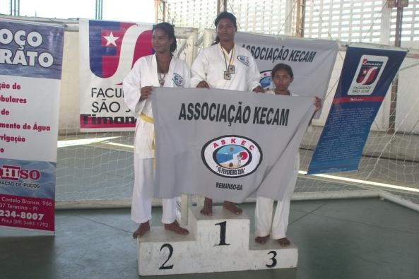 1. Edinalina de Sá (2º lugar); 2. Edilmara de Sá (campeã); 3. Adriana Rodrigues (3º lugar).