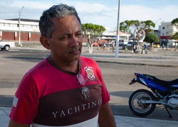 """José Alencar, proprietário da loja Divas: """"Foi uma noite de terror. Fui baixar no hospital devido à inalação de fumaça."""""""